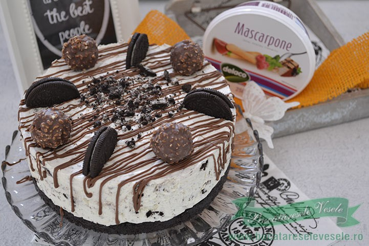 cheesecake-cu-oreo-si-ferrero-rocher