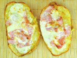 Cartofi-umplui-cu-telemea-si-sunca1-1024x743