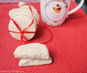 biscuiti proteici cocos 299x250 - Biscuiti Proteici cu Faina de Cocos (fara zahar, fara gluten, fara unt, 100% sanatosi)