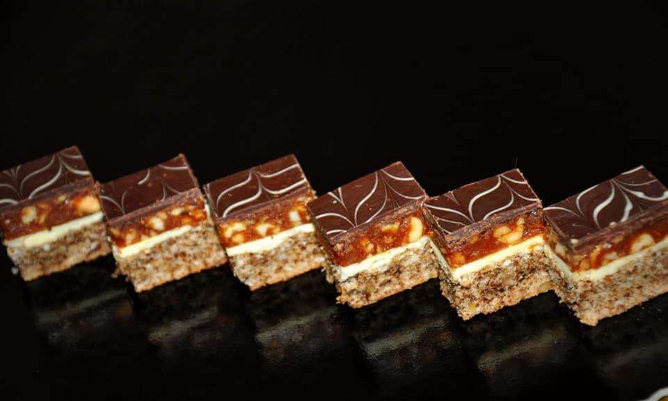 mod preparare prajitura snickers