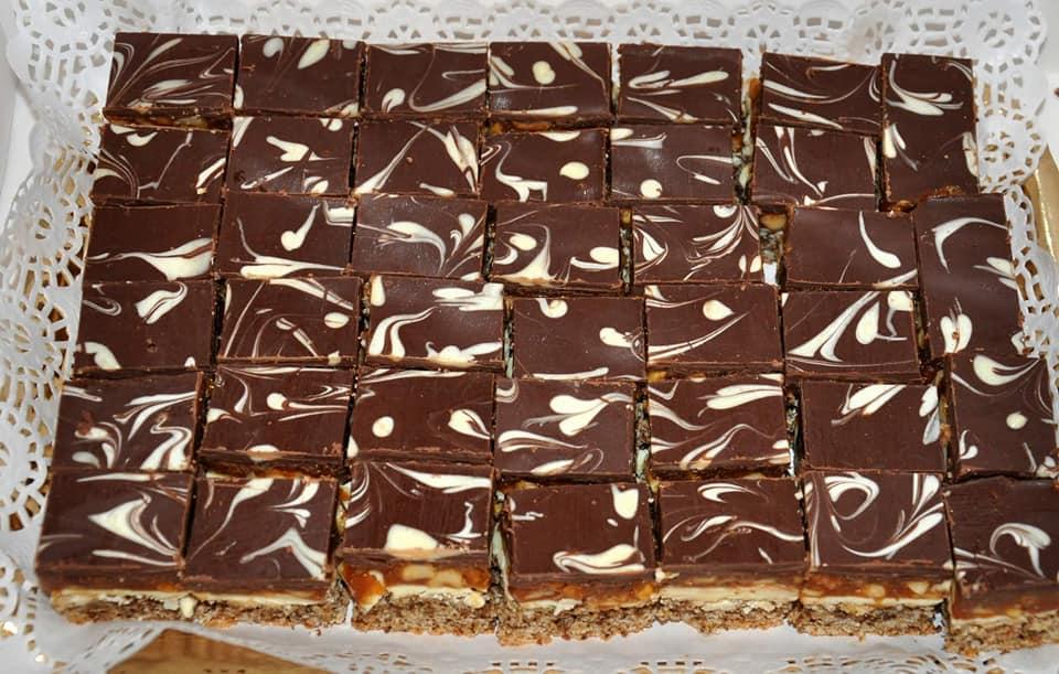 prajitura snickers preparare