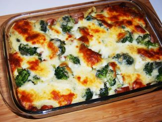 Gratin-de-broccoli-si-cartofi-la-cuptor-1