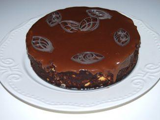Tort-fara-coacere-cu-biscuiti-si-ciocolata-1