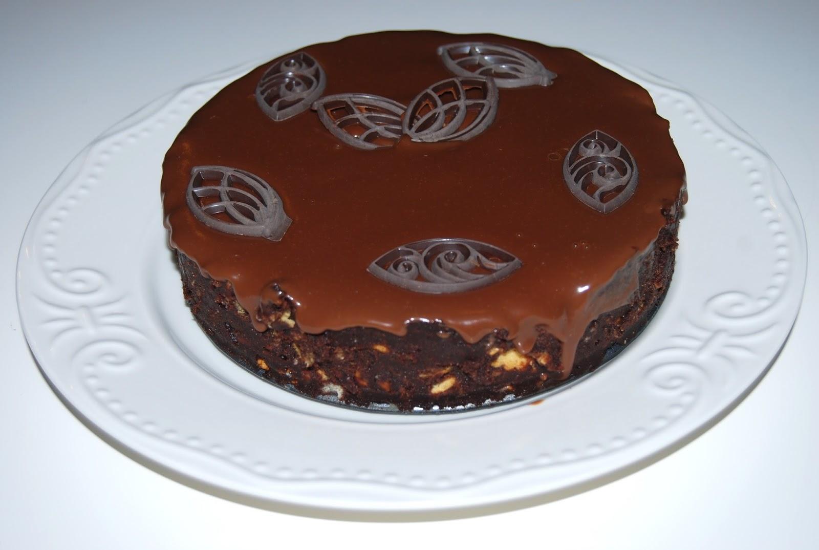 Tort fara coacere cu biscuiti si ciocolata