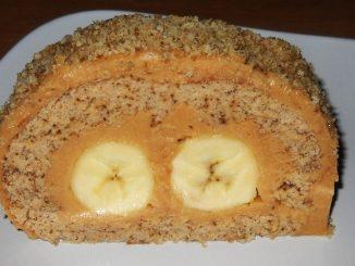 Rulada-cu-banane-si-crema-caramel-1