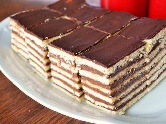 foi-fragede-umplute-cu-crema-de-ciocolata-1