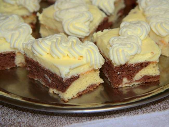 Prajitura cu mascarpone si crema de vanilie