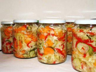 Salata-de-muraturi-reteta-de-ciolomada-ungureasca-1