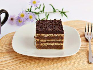 Prajitura-cu-biscuiti-si-crema-de-ciocolata-3