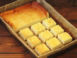 placinta-turnata-cu-branza-de-vaci-si-blat-de-biscuiti-1