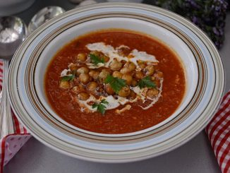 supa-picanta-cu-usturoi-si-naut