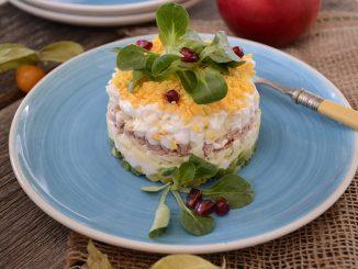 salata-cu-ton-si-cascaval-1-1