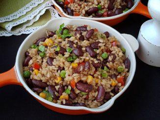 salata-picanta-de-orez-cu-fasole-11-1