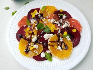 salata-de-portocale-cu-sfecla-si-telemea-11-1