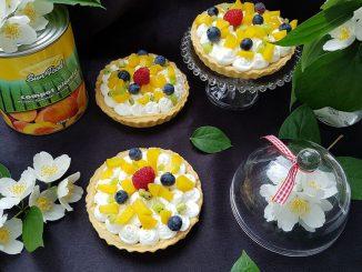 mini-tarte-cu-crema-de-branza-si-fructe-11-1