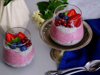 budinca-de-chia-cu-fructe-proaspete-3-1