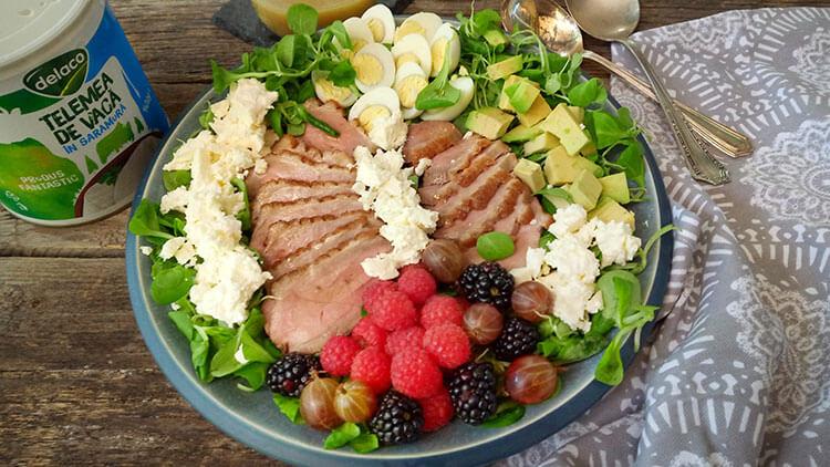salata cu telemea de vaca-delaco