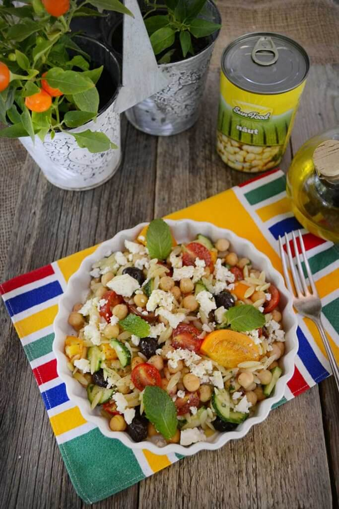 salata cu paste orzo si naut Sun Food