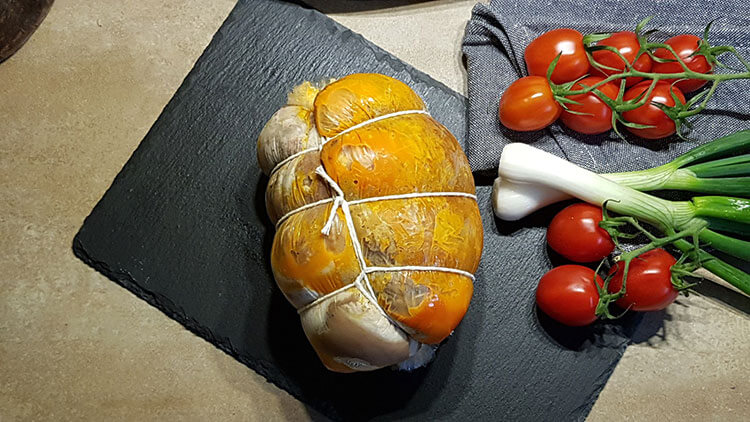 Rulada de ciolan cu carnati semiafumati