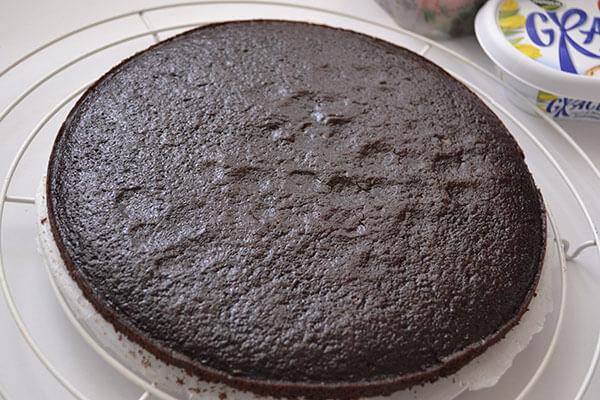 tort cu blat umed si crema de branza