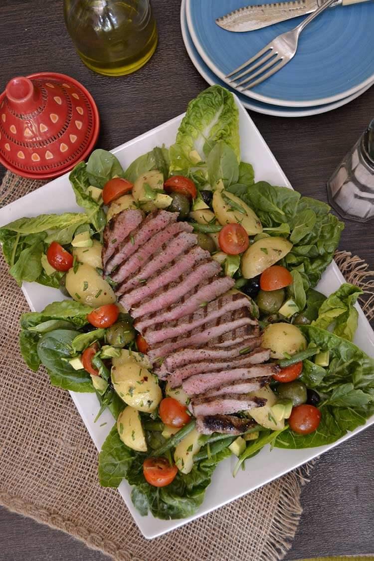 Salata cu friptura de vita Angus