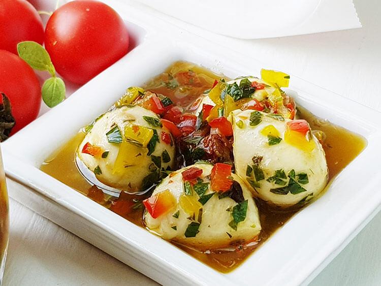 Mozzarella marinata in ulei de masline