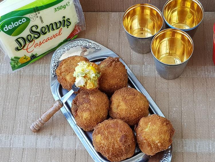 Salata de Boeuf cu cascaval in crusta de pesmet