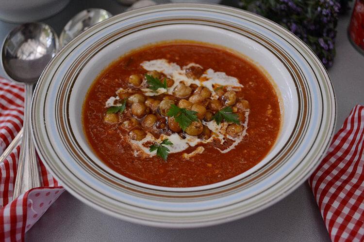 supa picanta cu usturoi si naut