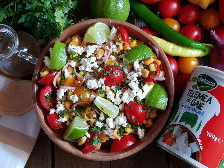 Salata Mexicana cu Rosii si Porumb